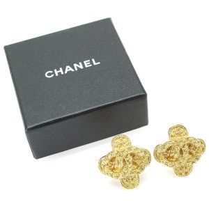 Chanel CC Logos Gold Tone Metal Earrings