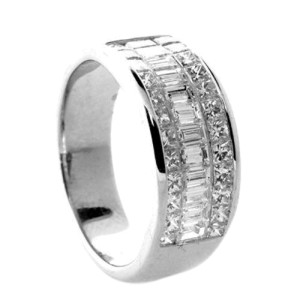 18K White Gold Diamond Invisible Princess Baguette Ring