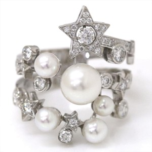 Chanel 18K White Gold with Diamond and Simulated Glass Pearl Ring Size 5