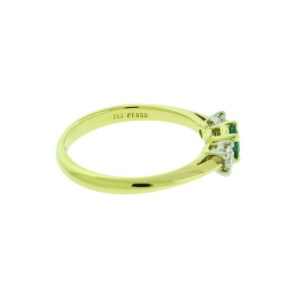 Tiffany & Co 3 stone diamond and emerald ring in 18k and platinum