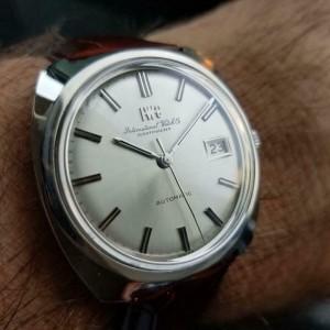 Mens IWC Schaffhausen 36mm Automatic w/Date Dress Watch, c.1970s Swiss NS22BRN