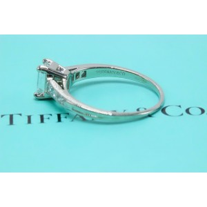 Tiffany & Co. PT950 Platinum with 0.69ctw Diamond Vintage Ring Size 4