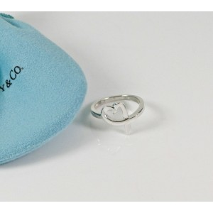 ec6d600d21806 MINT Tiffany & Co. Picasso Loving Heart Ring Silver Size 7.5 Retired