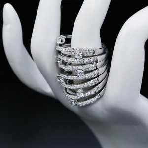 White Exclusive Gold Fashion Features 261 Diamonds In 3.72ct. Ring