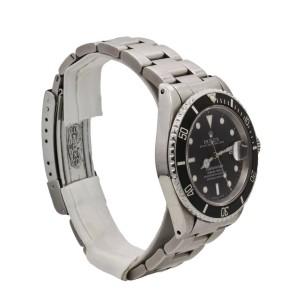 Men's Rolex Submariner Date 40mm Stainless Steel, Black Dial, 16610