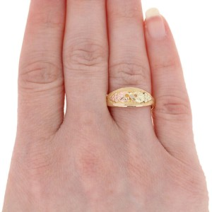 Yellow Gold Black Hills Gold Ring - 10k Grape Clusters & Leaves J. Co.