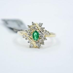14K Yellow Gold Emerald & Diamonds Ring