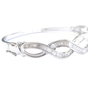 14K White Gold & Diamond Invisible Setting Bangle Bracelet