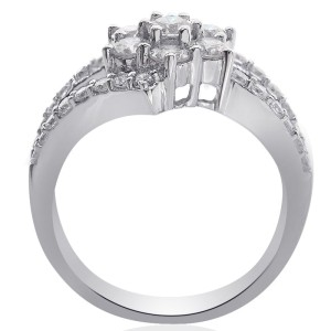 18K White Gold Baguette and Round Cut Diamond Flower Cluster Ring