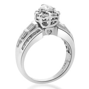 18K White Gold Heart Shape Diamond Halo Ring