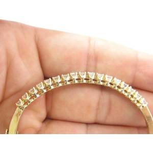 Yellow Gold Fine Round Cut Diamond 17-Stone Bangle