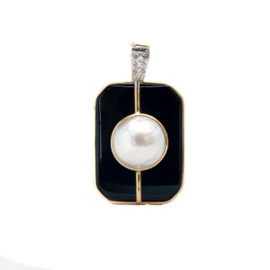 White Gold Black Onyx Jacket Pearls 0.14 ct. Diamonds & Pearl Necklace