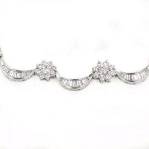 White White Gold Diamond Womens Necklace