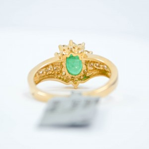 Emerald & Diamonds Ring 0.33CT Diamonds & 1.33CT Emerald 14K Yellow Gold SIZE 7