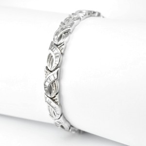 Tennis Bracelet 14K White Gold  2 CT Baguette Cut Diamonds 21.2 grams Women's