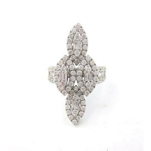 18K White Gold 2.50 Ct Baguette & Round Diamond Flower Ring Size 6.5