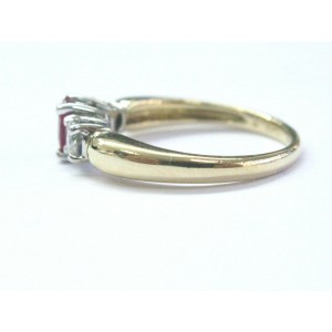 18Kt Oval Shape Gem Ruby Diamond Yellow Gold Three-Stone Ring 1.03CT