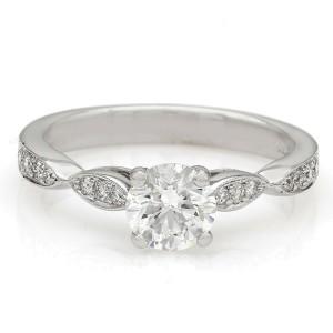 18kw Round Diamond Engagement Ring with Milgrain Accent