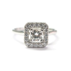 Heart on Fire 18K White Gold and Diamond Engagement Ring Size 6.5