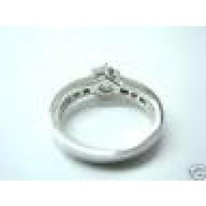 Fine 18Kt Round Diamond Engagement White Gold Ring 0.67CT