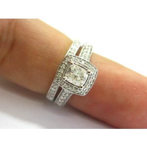 Cushion-Cut Halo Diamond Engagement Ring 14KT White Gold 1.22Ct G-VS2