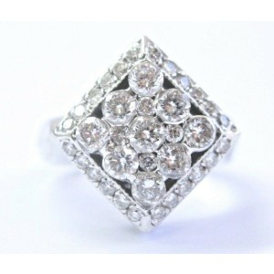 Square Natural Round Diamond White Gold Cluster Ring 18Kt 1.32Ct F-VS1 Sizeable