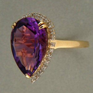 Vintage 7.0ct Pear Shape Amethyst 28 Single Cut Diamond Surround 14k Gold Ring