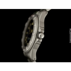 TAG HEUER PROFESSIONAL 4000 Mens Midsize Stainless Steel Watch - Mint - Warranty