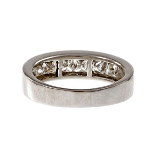 Platinum with 0.80ct. Diamond Ring Size 6