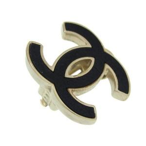 Chanel B12P earrings