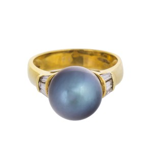 Dusky Luminescent 18k Yellow Gold Black Tahitian Cultured Pearl And Diamond Ring
