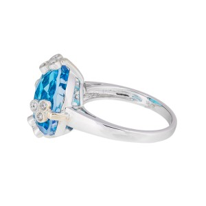 Dainty Feminine 18k White Gold Blue Topaz & Diamond Ring
