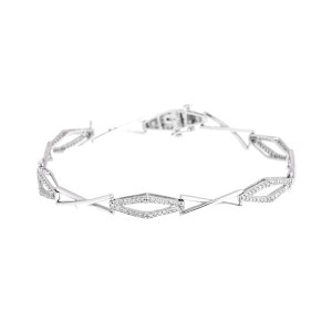 Graceful Classic 18k White Gold And Diamond Bracelet
