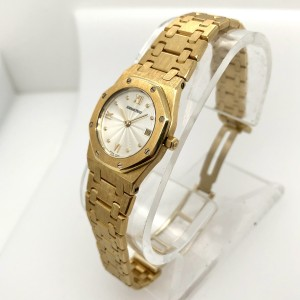 AUDEMARS PIGUET ROYAL OAK Quartz 18K Yellow Gold 28mm Watch