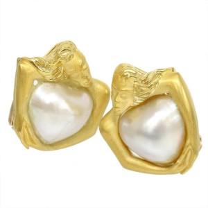 Carrera y Carrera 18K Yellow Gold Heart Pearl Earrings
