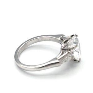 Graff Heart Shape Diamond Ring With 2.56 Carat Heart Shape Diamond  Ring Size 5.75