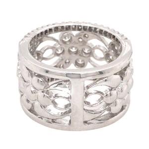 18k White Gold Diamond Flowers Band Ring
