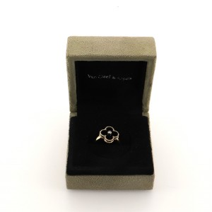 Van Cleef & Arpels Vintage Alhambra Ring 18K Yellow Gold and Onyx with Diamond 6.25 - 53
