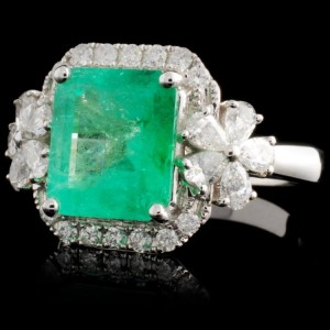 18K White Gold with 2.60ct. Emerald and 0.77ctw. Diamond Ring Size 6