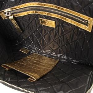 Je Ne Suis Pas En Solde Clutch Bag