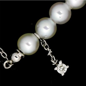 18k White Gold Baby Pearl Diamond Necklace