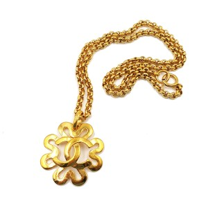 Chanel Gold Plated Flower Shape Chain Necklace
