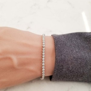 2.01 Carat Total Diamond Adjustable Bracelet in 18 Karat White Gold