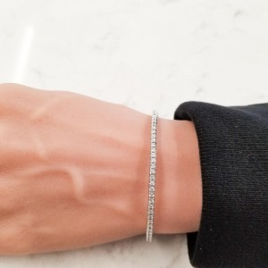 2.01 Carat Total Diamond Stretchable Bracelet in 18 Karat White Gold