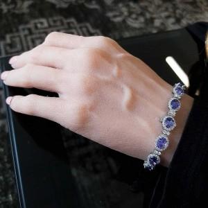 12.90 Carat Total Oval Tanzanites and Diamond Bracelet in 18 Karat White Gold