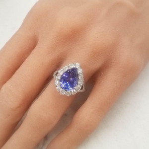 4.50 Carat Total Pear Shaped Tanzanite and Diamond Cocktail Ring in 18K Gold