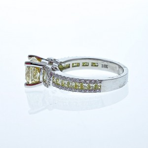 18KWG DIAM RING 2.01CT CU FANCY BROWNISH YELLOW GIA, 1.00 CTW YELLOW DIAM, .24CTW BR WHITE DIAM