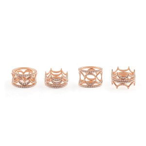 Jado Crown Rose Provence Quartet 18k Rose Gold Diamonds Ring