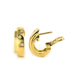 Piaget 18K Yellow Gold Diamond Set Possesion Earrings