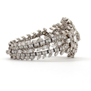 Platinum Vintage Bracelet With Approx 25 Carat Of White Diamonds